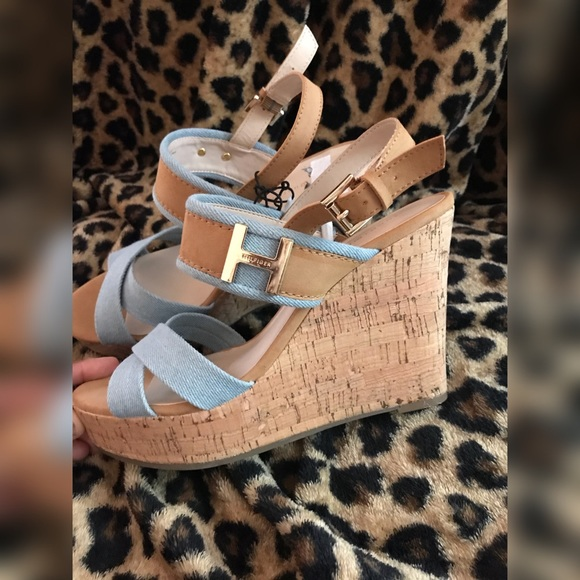 cd49905fe Denim and Tan Tommy Wedges Sz 8.5